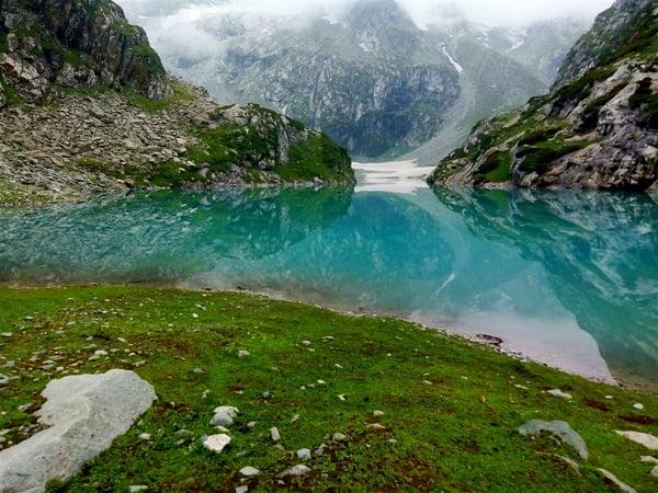 Tulain-lake-Green-Kashmir-Travels